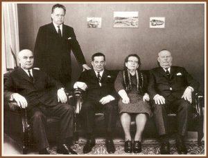<pre>Lahden liikenne Oy:n  johtokunta kuvattuna  1960-luvulla.</pre>