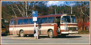 <pre>Tuovisen linja-autot  lähtivät Lahden  linja-autoasemalta  laiturista 20 ja 21.</pre>